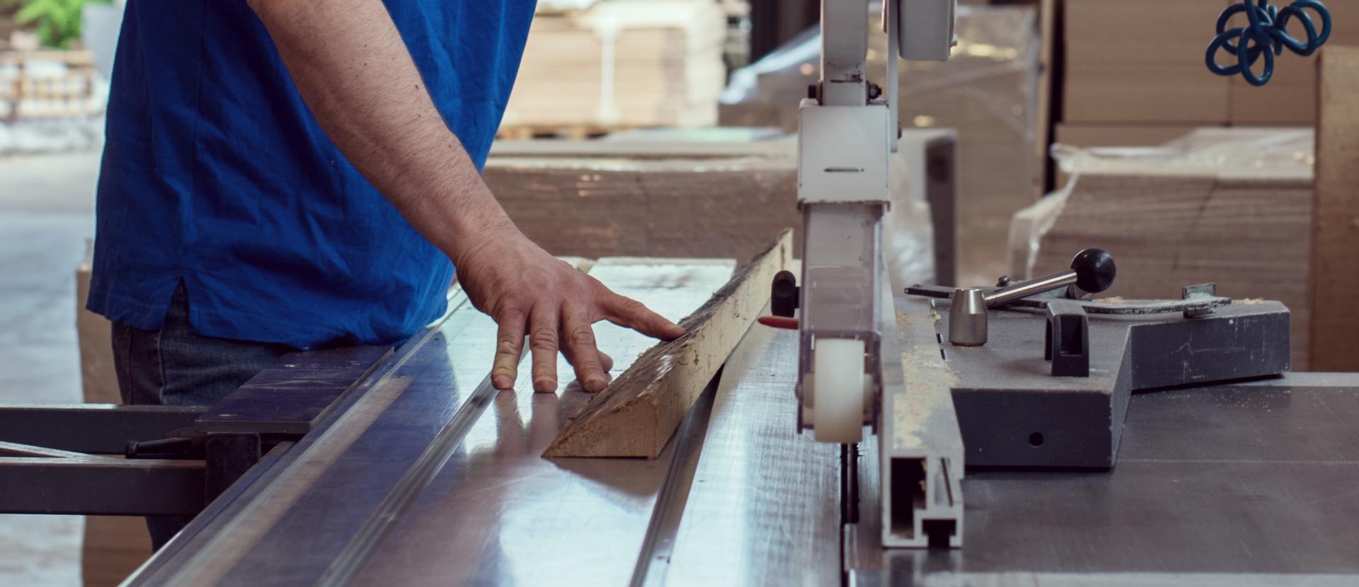 Un servizio completo, dalla falegnameria alla verniciatura fino al montaggio